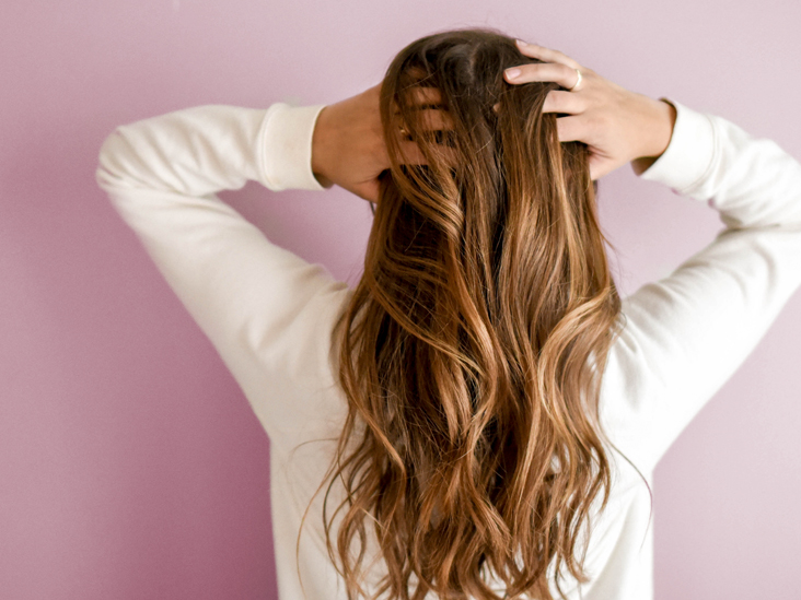 woman_hair_behind-732x549-thumbnail-2